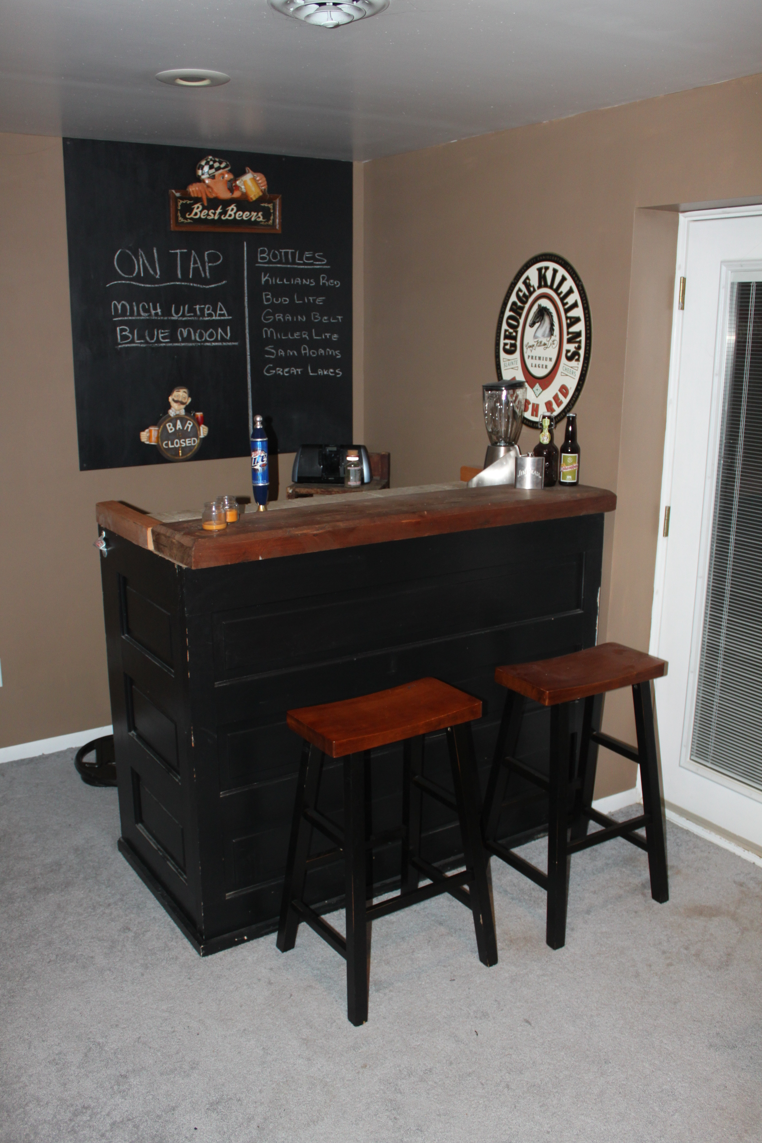 Stand Alone Bar Designs : Recycle re use and purpose in style old world