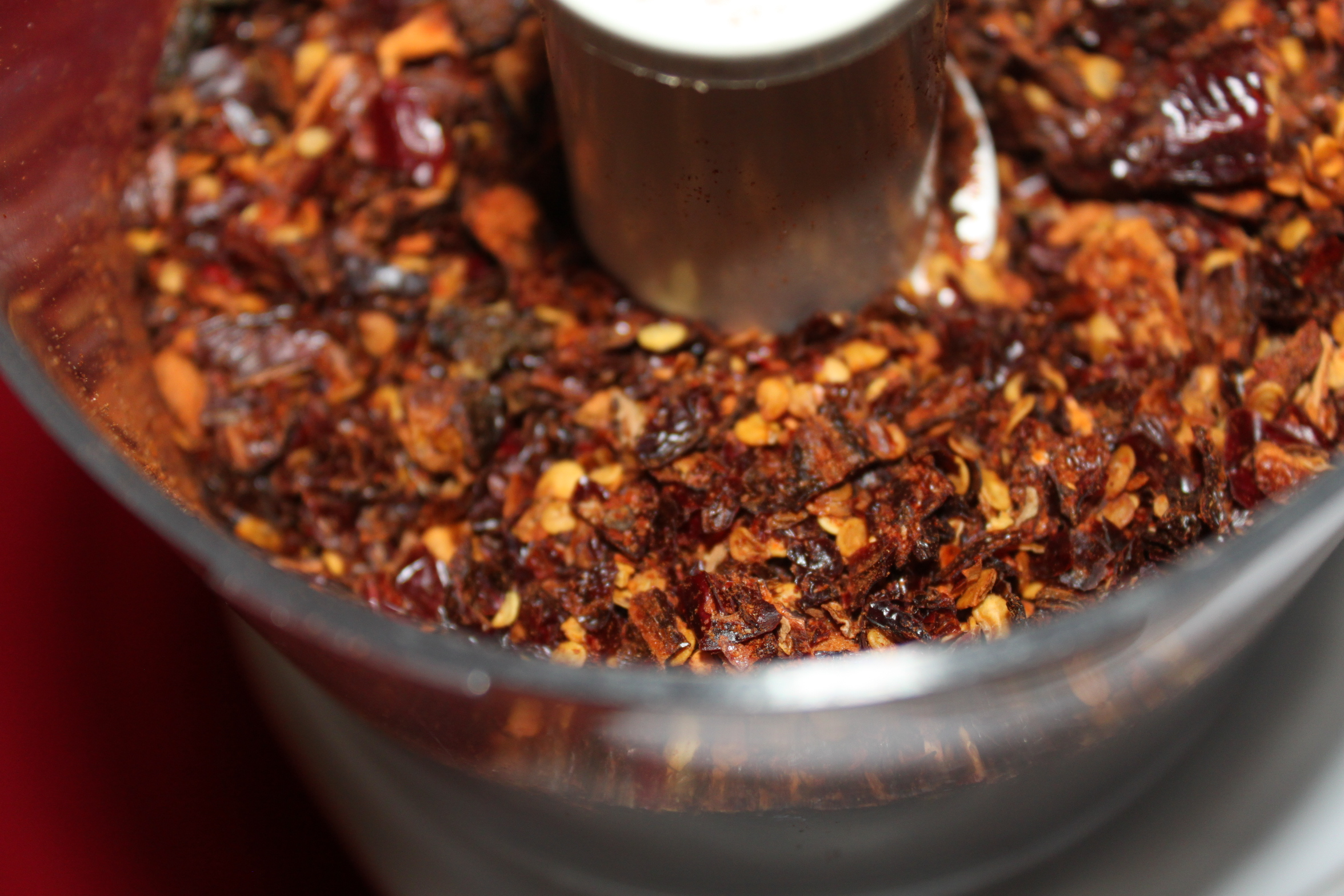 How To Battle Pests And Insects Naturally With Hot Pepper ...