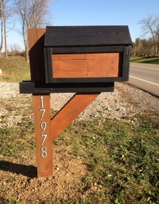 Our farms mailbox made from pallets