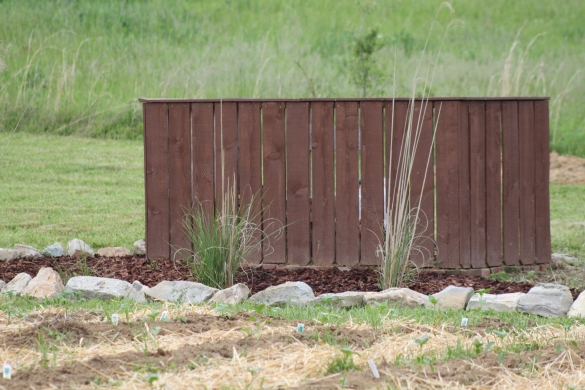 how to build a large compost bin