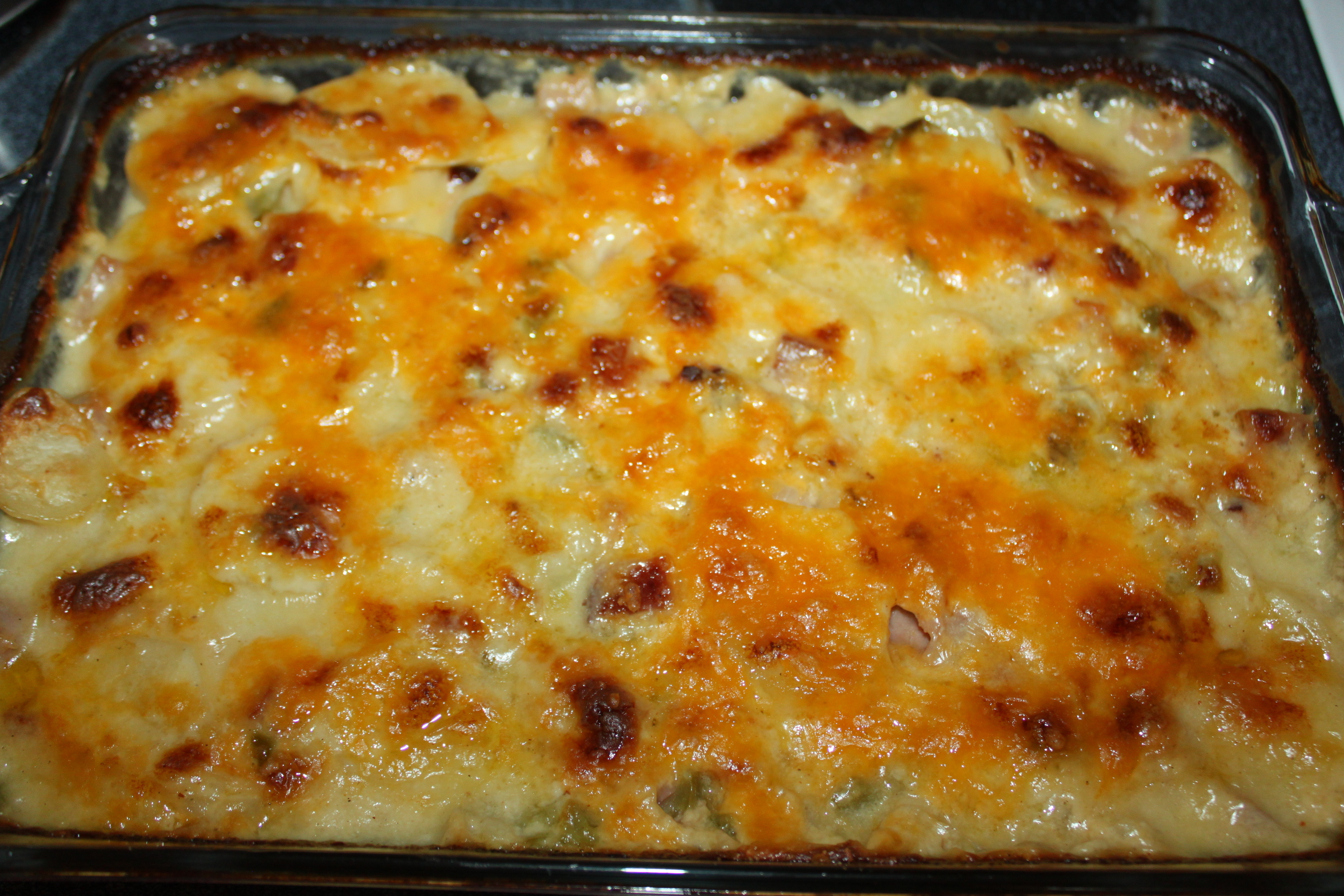 Classic scalloped potatoes and ham casserole