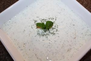 Tzatziki sauce - a light alternative to creamy vegetable dips